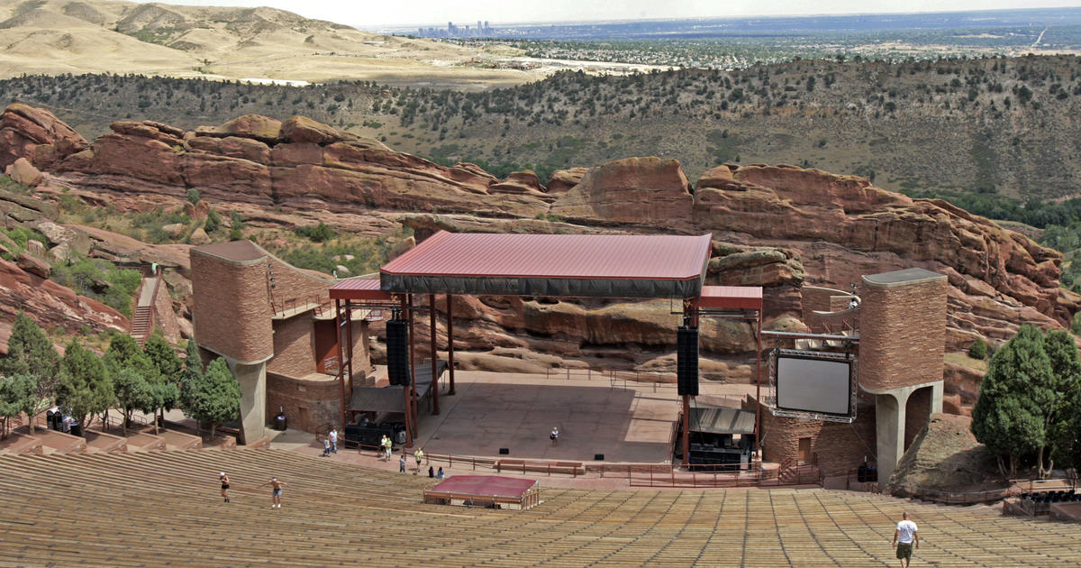 El anfiteatro Red Rocks de Colorado reabre con homenaje a los héroes de la pandemia